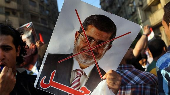 Morsi Ousted While Sparring With Egyptian Army on Social Media