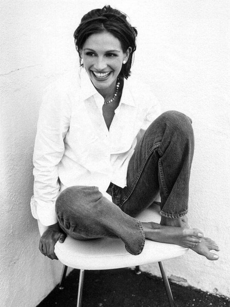 her smile is everything she needs...julia roberts