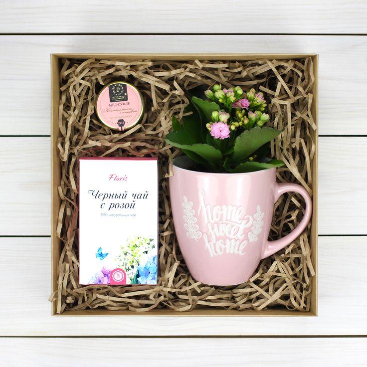 Нежный подарок с комнатным растением, который станет отличным сюрпризом для близкого человека. В состав входит: чай, кружка, комнатное растение, мини мед-суфле и т.д.