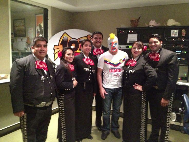 Mariachi VoZ de America w/ Erazno y La Cokolata radio program!