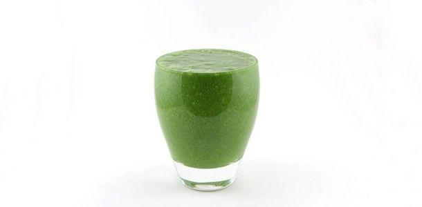 Een groene smoothie met boerenkool begin ik toch echt steeds lekkerder te vinden. De boerenkool banaan amandelmelk smoothie is ook weer zo'n gezond recept.