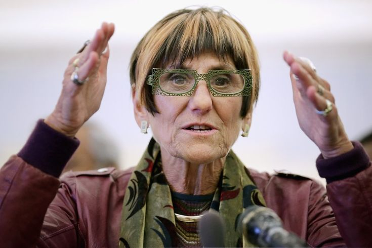 Democrat rep asks why drug test people for food stamps but not farmers getting subsidized?  By Walter Einenkel   Friday Feb 26, 2016: Rep. Rosa DeLauro, best known for her uncompromising opposition to TPP and her amazing eyeglasses collection, is brin...