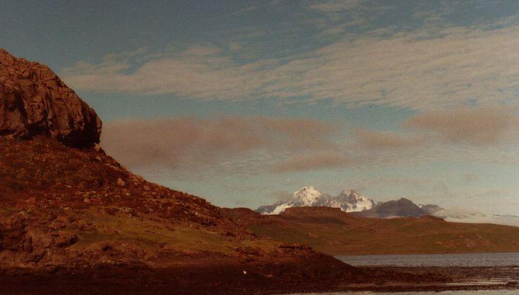 Monte Ross, com 1.850 m acima do nível do mar, é o ponto mais alto do arquipélago de Kerguelen.  – Wikipédia, a enciclopédia livre.