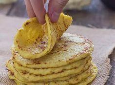 Ingredientes 2 xícaras de couve-flor (só o buquê) 2 ovos sal e pimenta a gosto  Modo de Preparo Limpe couve-flor e deixe só os buquês, lave-os e leve-os ao triturador. Coloque a couve-flor ralada no micro-ondas por 2 minutos e mexa, acrescente mais dois minutos e mexa novamente. Dê um banho de água fria para parar o cozimento, coe com a ajuda de um pano e esprema a couve-flor para retirar o excesso de água. Coloque a couve-flor ralada de volta na tigela, adicione dois ovos, sal e pimenta e…