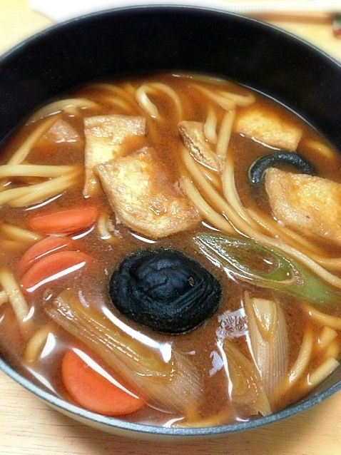 山本屋の味噌煮込みうどん。半生やとやはりあのコシはないなぁ〜。 - 17件のもぐもぐ - 味噌煮込みうどん by lovepochiko