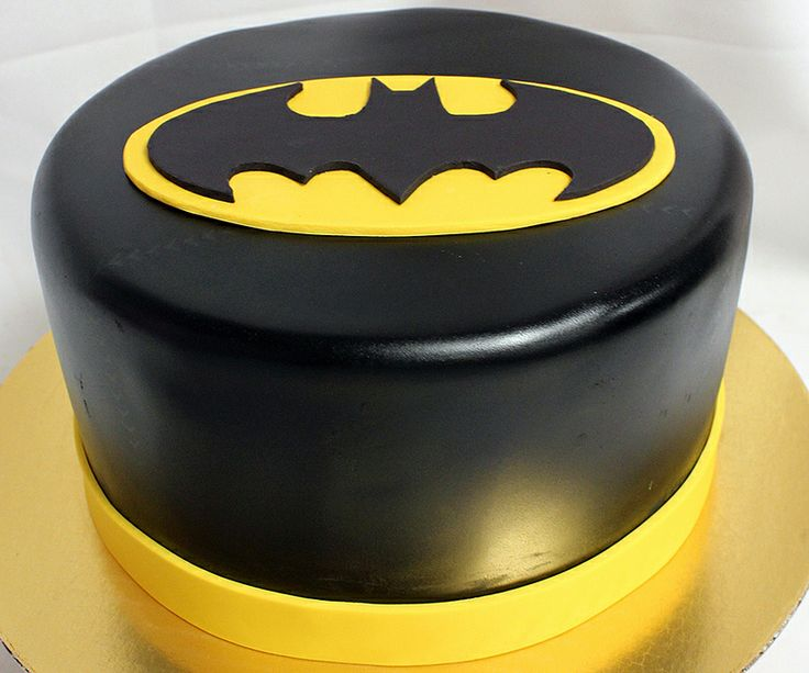 Batman groom's cake