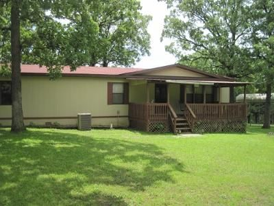 3 bed 2 bath manufactured home. Close to Lake Pomme de Terre in the Nemo area.Comes with a 18x21 carport and 2 storage sheds that measure 10x10 and 10x12 in Hermitage MO