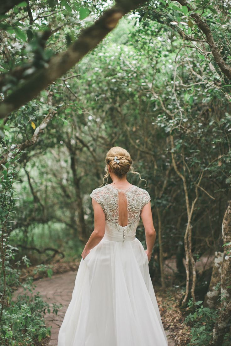 Beaded Low Back Cherish Suzanne Neville wedding dress | A South African Destination Wedding | Cherish Suzanne Neville Wedding Dress | Image by Illuminate Photography | http://www.rockmywedding.co.uk/cat-dan/