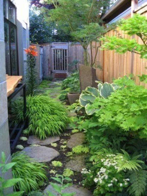 Garden Stone Pathway Ideas-04-1 Kindesign