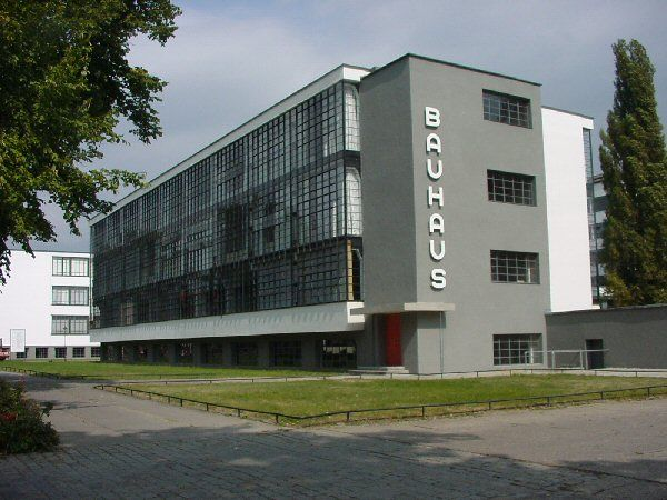 Walter Gropius – siedziba Bauhausu w Dessau