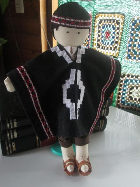 Muñeco de trapo mapuche Chile handmade, Rag doll