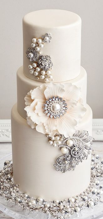 fresh flower holders for wedding cakes 25 best ideas about vintage wedding cakes on 14472