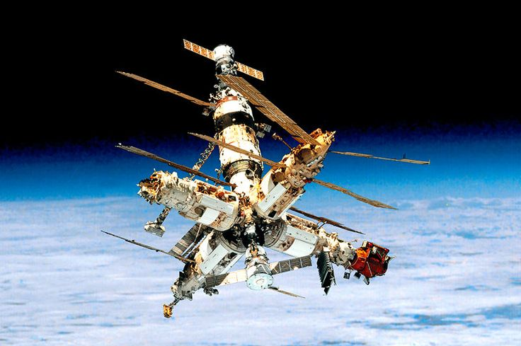 Space station Mir / Мир, assembled in orbit between 1986 and 1996. Mir was decommissioned and destroyed during its re-entry in the atmosphere on 23 March 2001.