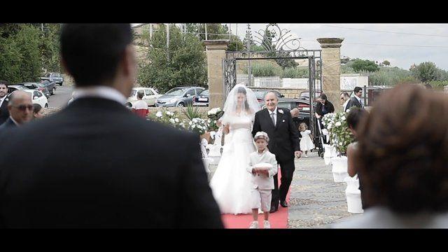 """#wedding #weddingtrailer #weddingvideo #lucamilazzo #lindapuccio #video Il Matrimonio di Calogero e Manuela   Tra il Giallo delle colline e le arsure dei paesaggi del centro Sicilia , tra discordi armonie- il caldo afoso della mattina e l'odore profondamente intenso della pioggia serale- un giovedi di Settembre si tingeva con i colori di un'emozione intensa , fragrante  profonda; Calogero e Manuela creavano un quadro d'autore  dal titolo: """" la famiglia""""."""