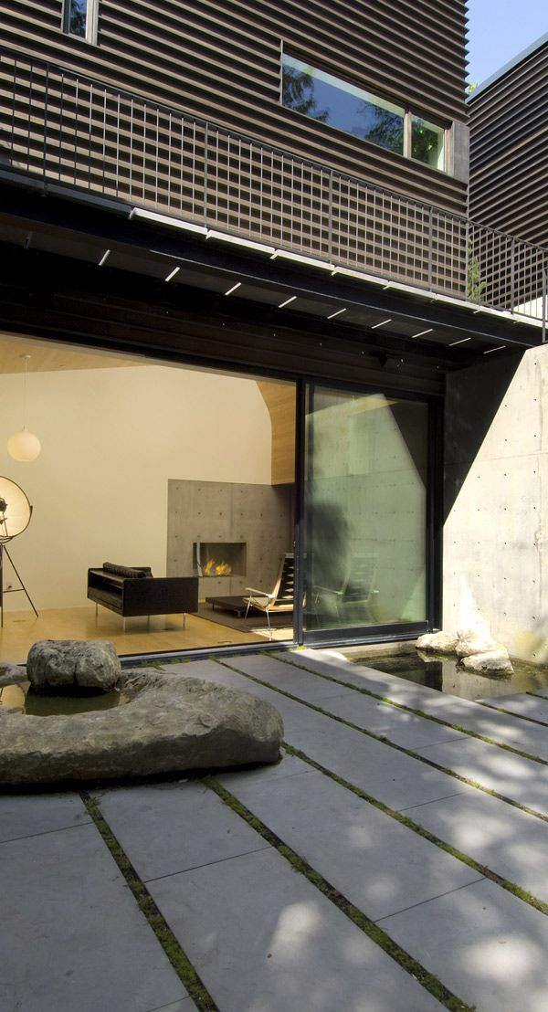 Boulders - Courtyard House by Seattle-based Hutchison & Maul Architects
