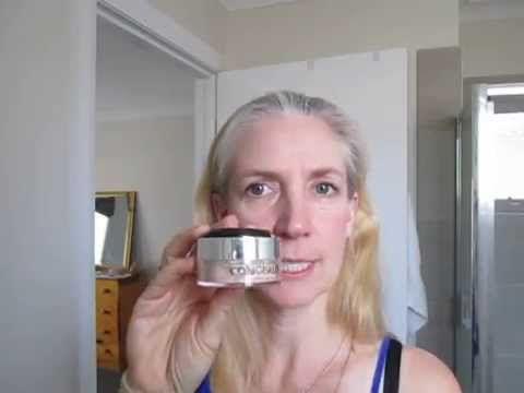 Paula Demonstrates Youniques Consealer