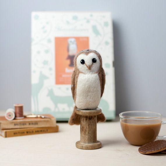 Barn Owl Needle Felting Kit. Craft Kit. Needle Felted Animal. Felting Starter Kit. Felt Owl. Felting Tutorial. How to Needle Felt.