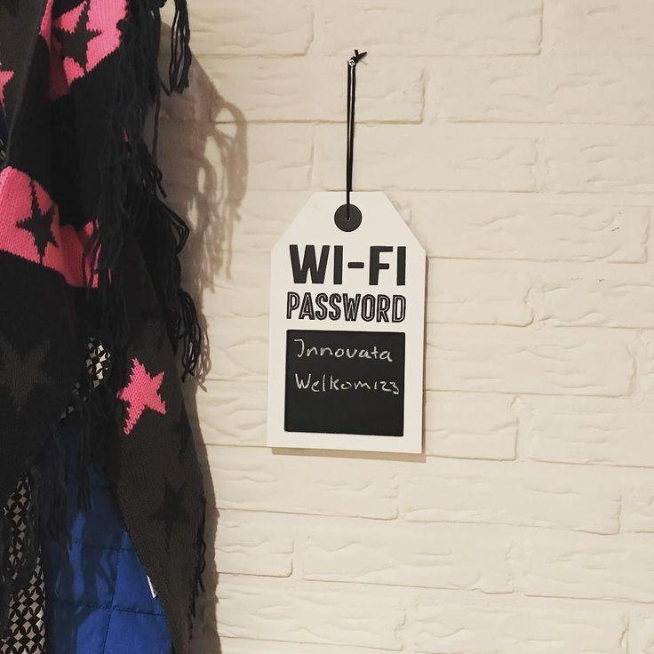 Zo hoeft bezoek nooit meer naar het WiFi wachtwoord te vragen. En hoef ik het niet meer op te zoeken...