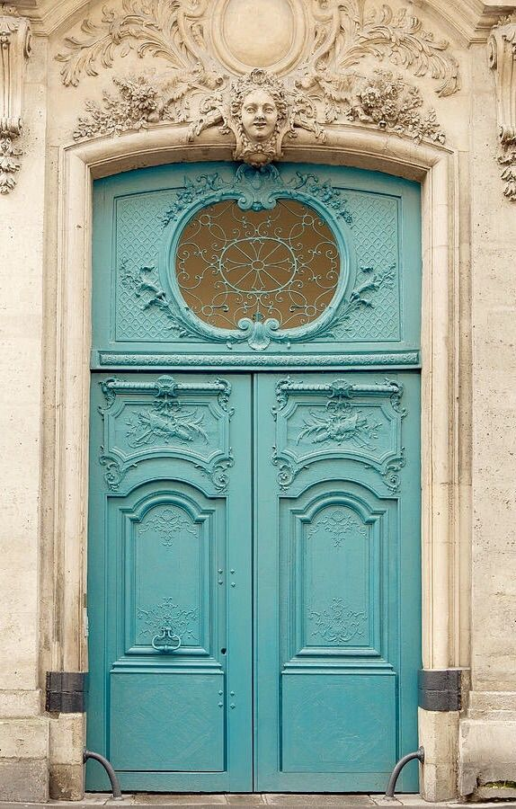 Paris, France door