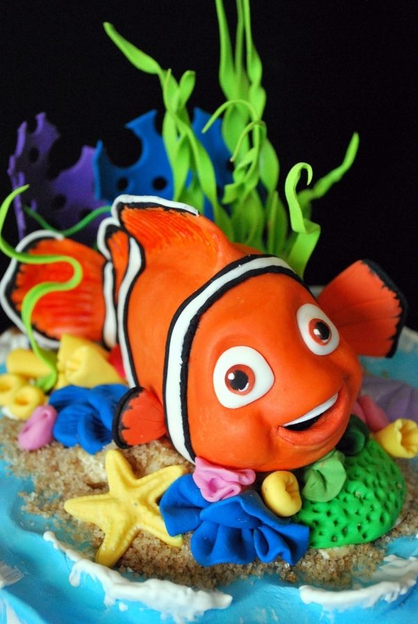 This is an awesome cake! Great for a Nemo birthday party.