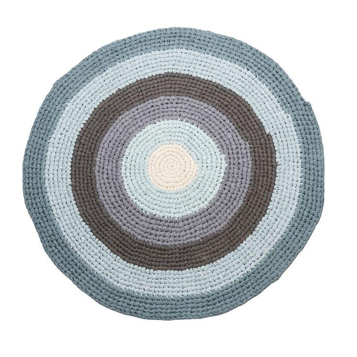 Great Sebra gehaakt vloerkleed rond pastel blauw