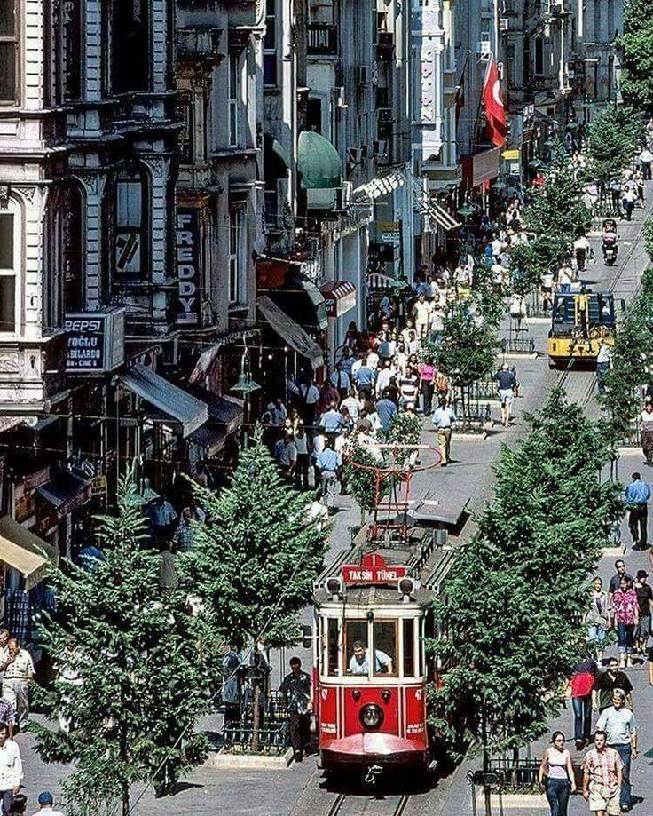 İSTİKLAL STREET / BEYOĞLU