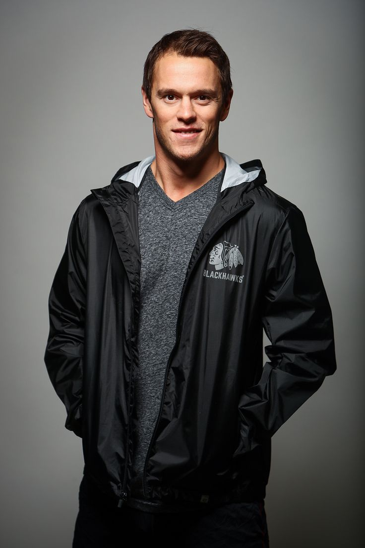 Jonathan is wearing the 47 Brand React Full Zip ($80). Find this jacket and more at the Blackhawks Store!
