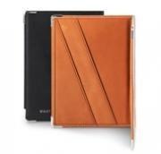 WANT Les Essentiels de La Vie- Couverture pour passeport / Passport cover in cognac & black.