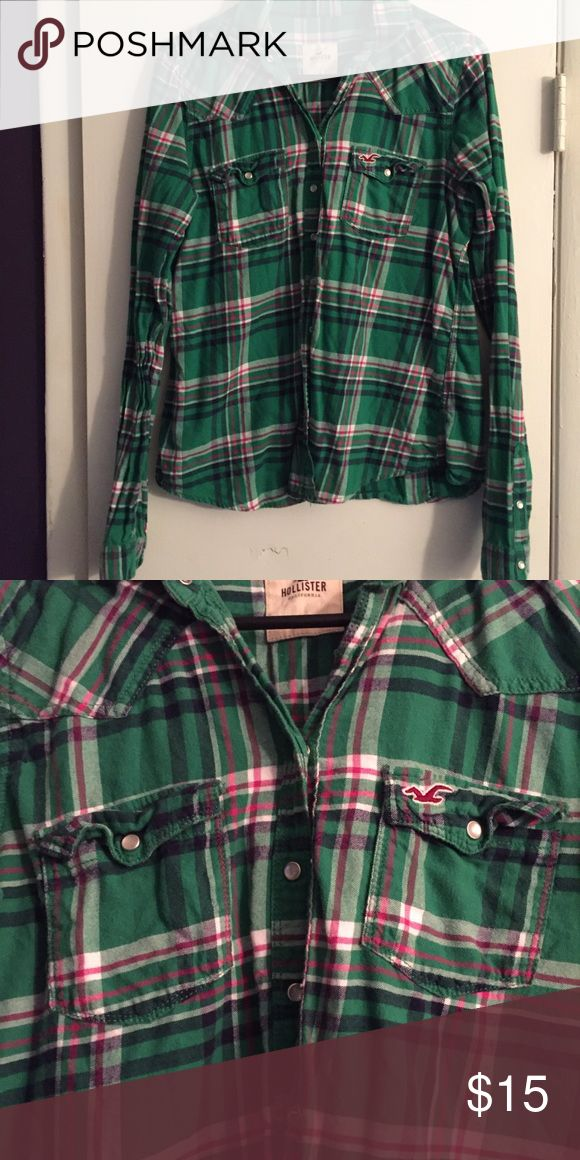 Hollister Green Flannel shirt ✨ Very cute green flannel | thinner material | snap buttons and pocket | size large Hollister Tops Button Down Shirts