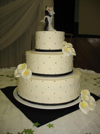 Mitchel's Cakes - Serving Oshawa, Whitby, Ajax, Pickering, Toronto, Peterborough, Port Hope and surrounding areas.