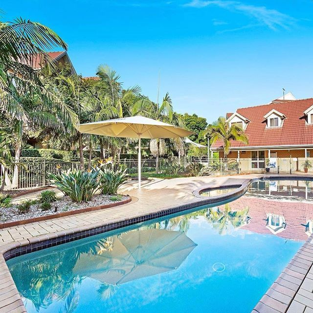 OPEN TODAY: Inspect 39/18 Morgan Street, Botany from 1pm today. Situated in a popular resort style complex amid beautifully maintained gardens, who wouldn't love having access to amenities like these! See more on the website by clicking the link in my profile #marnieseinor #botany #apartment #eastlakes #sydneybeaches #coastalliving #lifestyle #property #sydney #sydneyrea #sydneybeaches #sydneyproperty #sydneyrealestate #sydneyhomes #rea #realestate #realestateagent #propertysales…