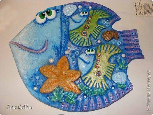 Рыбка в подарок свекрови! Рыбки на пузике - это сын (желтенький) и дочь(зелененькая). А маленькие висюльки- рыбки - это внуки! У дочери двое деток, а у сына пока один! фото 3