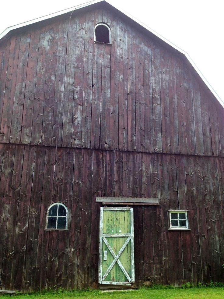 Great barn near Hwy 3.