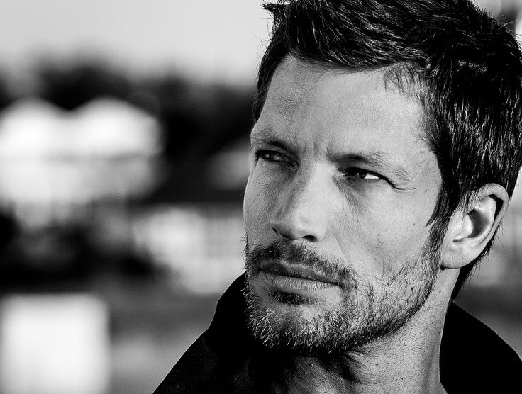 Mickey hardt. German actor and singer
