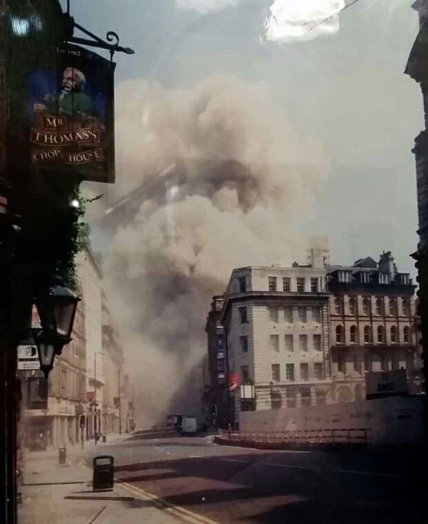 The IRA bomb moments after detonation Manchester, 1996 photographed by Paul Sanders from near the front door of Mr Thomas's Chop House, Cross St, Manchester.