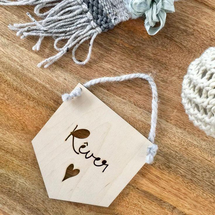 Personalized mini banner available on my online shop 🌙✨ Mini-bannière personnalisée disponible sur ma boutique en ligne.