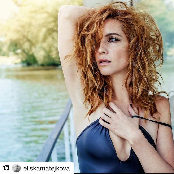 Photoshooting for ForMen with the one and only @lucierobinsonphoto make up by @eliskamatejkova!Summer is here❤❤❤❤❤#summer #photoshooting #hanavagnerova #actress #cover #covergirl #formen #lovemylife #sea #swimsuit #boat #wild #sun #lucierobinsonisthebest