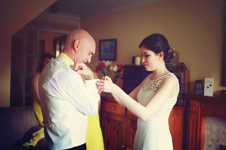 Wedding bride and father of the bride. Photography by Sara callow