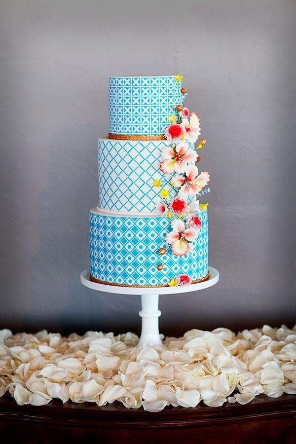 Blue-patterned-wedding-cake
