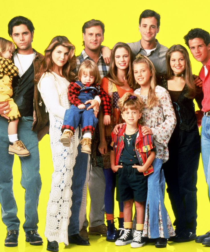 Fuller House Horror Movie Recut Trailer | What if the flash forward in the Tanners' lives took a much darker turn? ScreenCrush has reimagined the Fuller House trailer as a horror movie. #refinery29 http://www.refinery29.com/2015/12/99873/fuller-house-horror-movie