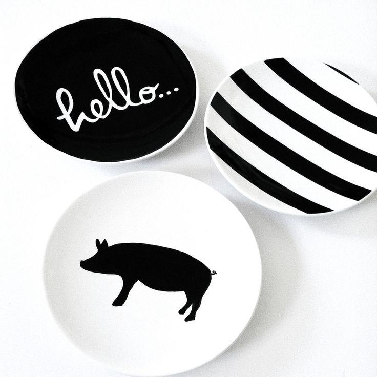 Hello Piggy Dessert Plates