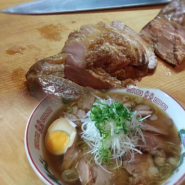 久しぶりにチャーシューを作ったので、オーソドックスにネギチャーシュー麺(⌒‐⌒) - 515件のもぐもぐ - 自家製叉焼からのぉ…ネギチャーシュー麺! by Shigeyuki901