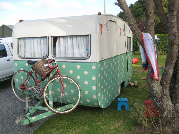 How cool is this vintage caravan that stayed with us over the summer. Bring your bicycles is great because there are many areas to go cycling and see the sites of Paihia.