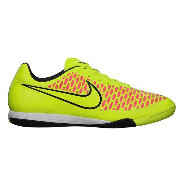 Sepatu Futsal Nike Magista Onda IC 651541-770 yang banyak dicari karena ringan dan sangat mendukung terhadap kelincahan. Diskon 20% dari harga Rp 999.000 menjadi Rp 799.000.