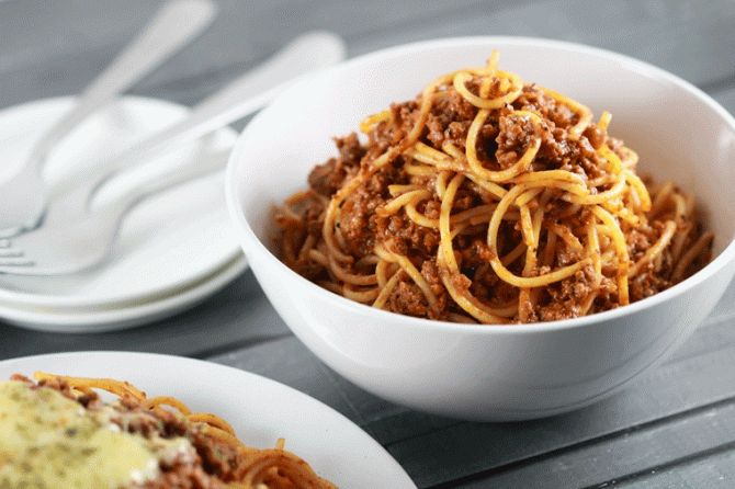 If there is one recipe for Spaghetti Bolognese that you need to know, this is it! You'll be amazed that this simple recipe can create such a tasty pasta!
