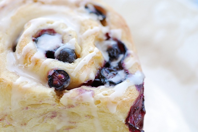 mom's blueberry sweet rolls by Food Blogga, via Flickr