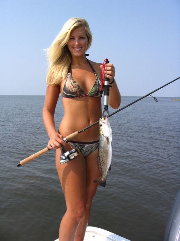 Sexy girls and bass boats — photo 15