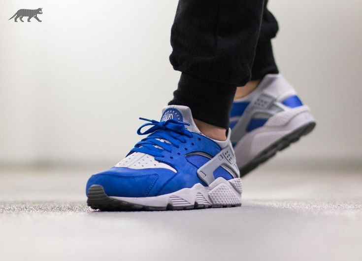 nike air huarache white \/wolf grey-blue eyes drawings images easy