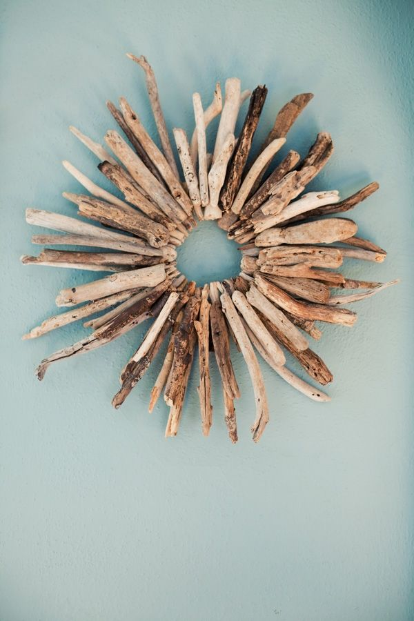 What to do with driftwood collected while beachcombing.: Decor, Beach House, Idea, Driftwood Art, Drift Wood, Diy, Wreaths