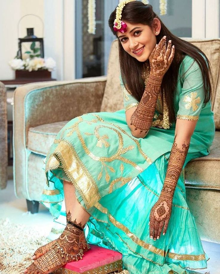 @Regrann from @theweddingchamber -  This bride is the definition of ethereal!  Picture courtesy: @the_allied , New Delhi #beautiful #bride #indianbride #mehendi #bridallook #bridalwear #lehenga #desibride #instabride #instalove #instapic #instawedding #floralJewellery #mehendi #indianweddings #desiwedding #shaadi #bridalmakeup #hairgoals #henna #hennahands #realweadding #asianbride #weddingphotography #weddingphotographer #theweddingchamber - #regrann…